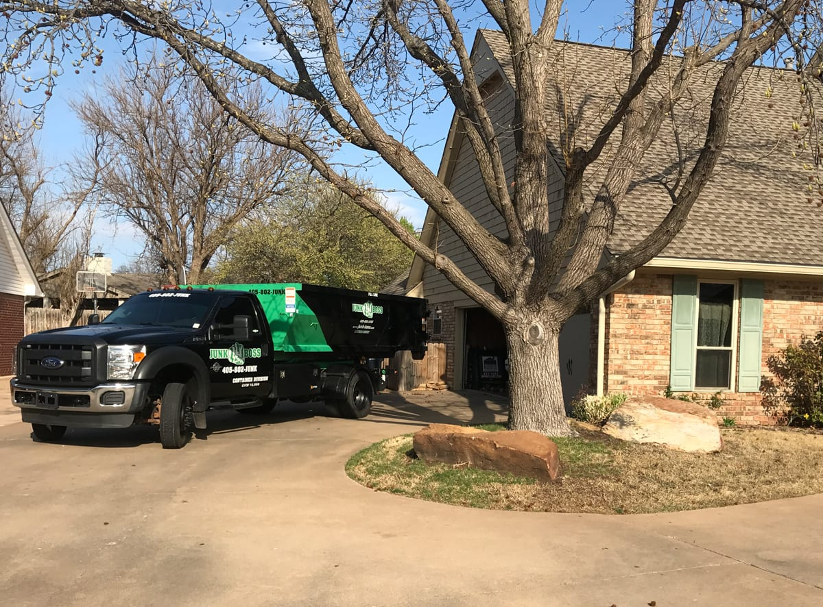 Backyard Junk Removal and Cleanup
